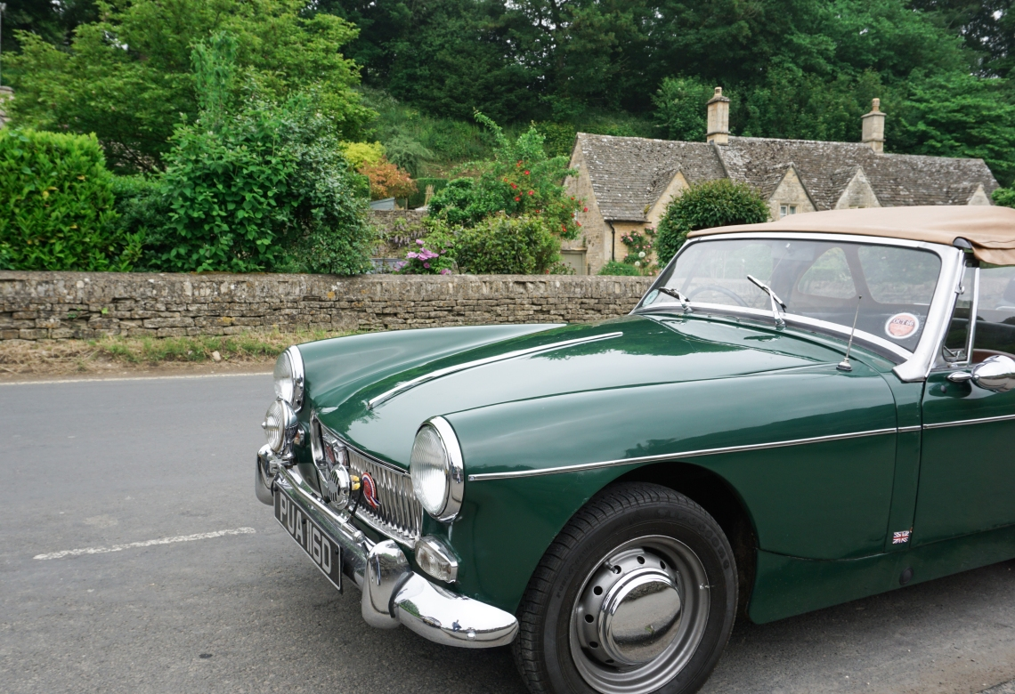 cotswolds_bibury_car